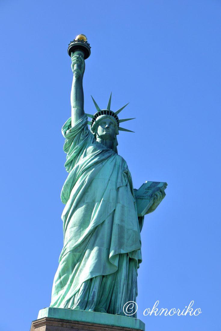 自由の女神全体