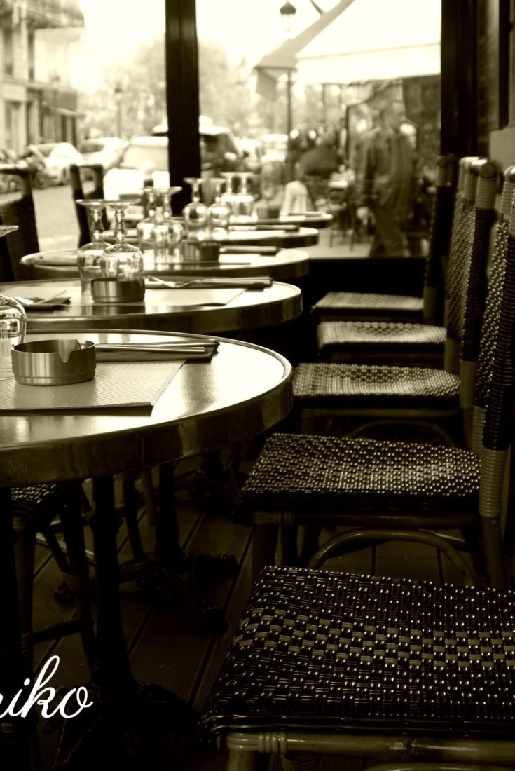 パリのカフェ